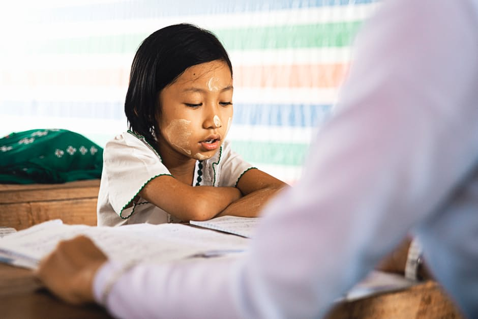 helping your daughter with adhd in school